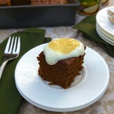 These Pear Gingerbread Squares are a delicious seasonal dessert that are sure to be a hit during the holidays. Great Recipes, Yummy Recipes, Healthy Treats, Let Them Eat Cake, Gingerbread, Pear, Sweet Tooth, Sweet Treats, Ice Cream