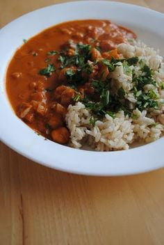 Lori's Lipsmacking Goodness: Giveaway Winner and Chickpea Tikka Masala