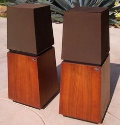 Vintage-Pair-of-1970s-Ohm-Walsh-F-Audio-Stereo-Speakers