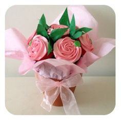 A cupcake bouquet from Miss Cupcakes is a beautiful and delicate gift for any occasion. Cupcake Flower Bouquets, Edible Bouquets, Flower Cupcakes, Candy Bouquet, Cupcakes Design, Pink Cupcakes, Wedding Cupcakes, Cupcake Cakes, Cup Cakes