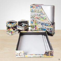 Kit com 3 peças para escritório da DC Comics : porta papel, porta arquivo e porta treco. Para tornar o ambiente de trabalho um lugar colorido e despojado.