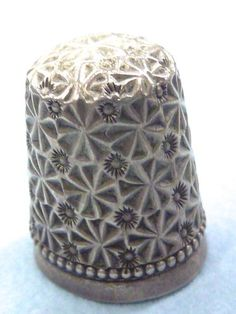 """ANTIQUE STERLING SILVER THIMBLE NO. 11 BY SIMONS BROTHERS FLORAL DESIGN 7/8"""" 