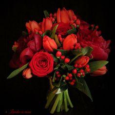 Delicios red #wedding #bouquet #madewithjoy #paulamoldovan #livadacuvisini #tulips #peonies #roses #red #flowers #flori #buchet #nunta #cununie #mireasa #nasa #bucuresti Tulip Wedding, Peony Bouquet Wedding, Rose Bouquet, Red Wedding, Peonies Bouquet, Wedding Flowers, High Pictures, Red Flowers, Nasa