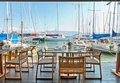 10 restaurants in Greece & in Greek Islands to please even the pickiest of visitors. From traditional shacks to michelin-stared restaurants. Greece In Greek, Athens Greece, Seaside Restaurant, Thessaloniki, Greek Islands, Greece Travel, Great View, Corporate Events, Kitchens