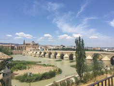 Puente Romano de Córdoba. Construido a principios del siglo 1 d.C. Acceso de entrada a la ciudad.