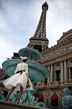 -Sous La Tour Eiffel (Under the Eiffel Tower) Eiffel a Day Project / Paris 3, Paris Love, Paris Style, Paris Chic, Places To Travel, Places To See, Torre Eiffel Paris, Las Vegas Photos, Little Paris