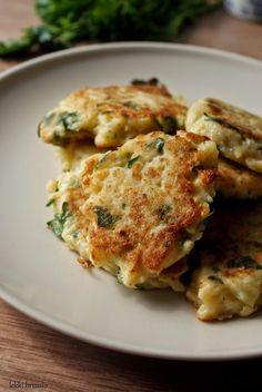 Lekki brzusio.: Placki kalafiorowe Veggie Recipes, Vegetarian Recipes, Healthy Recipes, Healthy Cooking, Cooking Recipes, Good Food, Yummy Food, Food Photo, Food Inspiration
