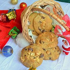 Cardamom Choco-chip Cashew Cookies