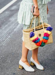 1528d67b0f4 24 Best trending  straw bag images