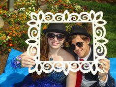 Add matching hats and some cool shades for another interesting prom pose.