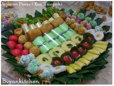 """snacks comprising a wide range of snack cakes in a container called """"Tampah"""" made from bamboo is very tasty"""