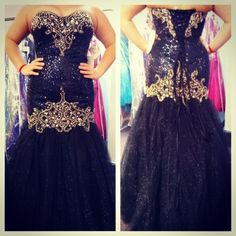 Prom dress mermaid style black and gold sweetheart neck line