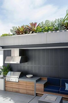 outdoor-entertaining-garden-feature-harbour-views-Matt-Cantwell-Secret-Gardens Relaxing Outdoor Kitchen Ideas for Happy Cooking & Lively Party Simple Outdoor Kitchen, Outdoor Kitchen Cabinets, Outdoor Kitchen Design, Outdoor Kitchens, Outdoor Kitchen Bars, Kitchen Modern, Outdoor Areas, Outdoor Rooms, Outdoor Living