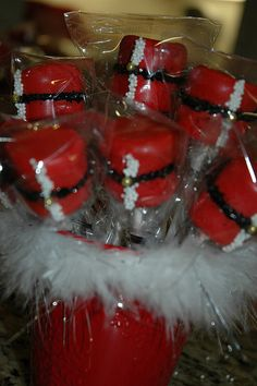 Santa Marshmallow Pops for my daughter's school holiday party