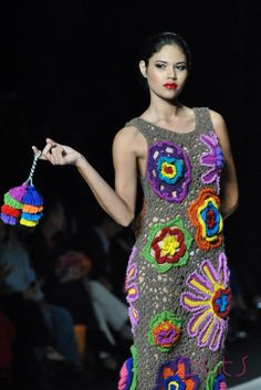 meche correa - Buscar con Google Love Crochet, Beautiful Crochet, Crochet Lace, Crochet Dresses, Colourful Outfits, Colorful Fashion, Crochet Cardigan, Knit Dress, Moda Peru