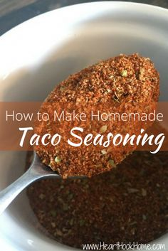 make taco seasoning Love tacos? Nothing worse than craving some tacos and being out of seasoning. Learn how to make your own homemade taco seasoning! Make Taco Seasoning, Taco Seasoning Packet, Seasoning Mixes, Seasoning Recipe, Homemade Spices, Homemade Seasonings, How To Make Homemade, Frugal Meals, Frugal Recipes