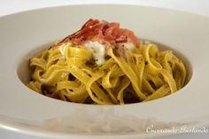 Pasta con stracciatella speck e pistacchio