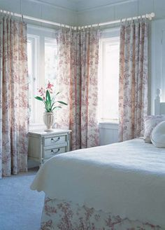 Vinyl vertical blinds are a great option to cover wide windows and sliding glass doors. Cafe Curtains, Custom Curtains, Sliding Glass Door, Glass Doors, Graber Blinds, Extravagant Homes, Budget Blinds, Diy Crafts For Home Decor, House Blinds