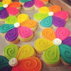 Hailey cakes and cookies. So cute! I want to make some now :)