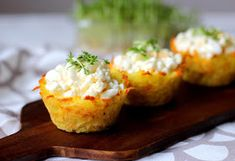 Plněné bramborové košíčky Baked Potato, Food And Drink, Potatoes, Baking, Ethnic Recipes, Fit, Shape, Potato, Bakken