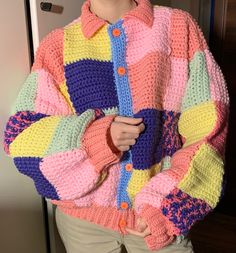 Diy Crochet Sweater, Poncho Crochet, Crochet Diy, Crochet Crafts, Crochet Clothes, Diy Clothes, Knitting Patterns, Crochet Patterns, Diy Crochet Projects