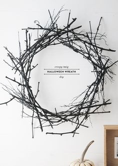 Spooky Halloween Wreath DIY DIY halloween wreath instance, I saw this creepy twig wreath at Crate and Barrel and I loved it, but … Casa Halloween, Holidays Halloween, Halloween Crafts, Halloween Sayings, Halloween Designs, Diy Halloween Wreaths, Halloween Stuff, Halloween Costumes, Stick Wreath