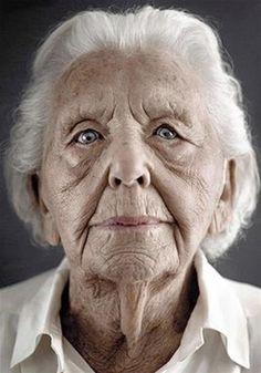 El fotógrafo Karsten Thormaehlen habló con MSN acerca de su inspirador trabajo con personas mayores de 100 años de edad. (© Karsten Thormaehlen)