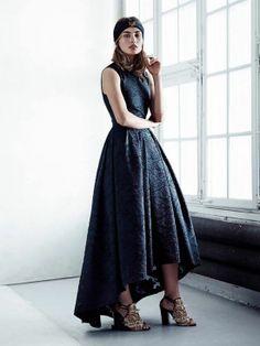 Foto de H&M Conscious Primavera 2014 con Amber Valletta Amber Valletta, Fast Fashion, Fashion News, Womens Fashion, Fashion Vestidos, Hi Low Dresses, Jacquard Dress, Costume, Fashion Gallery