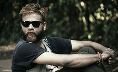 Man with toned beard looking very awesum