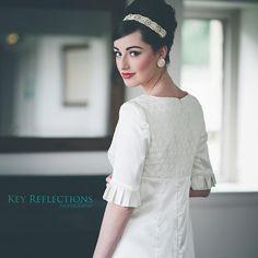 タイムスリップしてみたい♡60年代のウェディングドレスが可愛すぎて羨ましい* | marry[マリー] One Shoulder Wedding Dress, Wedding Hairstyles, Wedding Dresses, Hair Styles, Beauty, Fashion, Bride Dresses, Hair Plait Styles, Moda