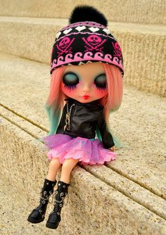 Flickr: The 14+ Blythe, Middies, & Petites ~ YOUR BEST SHOT ~ 14+ Faves! Pool