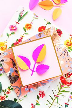 DIY Paper Leaf Gift Toppers - Add a little dimension to your gifts and packaging with this quick and easy arts and crafts tutorial on Maritza Lisa! Easy Arts And Crafts, Fun Crafts For Kids, Diy And Crafts, Paper Crafts, Paper Leaves, Paper Flowers, Creative Gift Wrapping, Wrapping Ideas, Paper Flower Tutorial