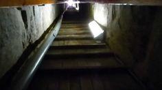 Subida de 60 metros en el interior de la Pirámide Roja