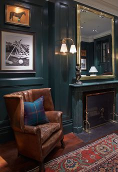 Gentlemans Room Inspirational Polo Ralph Lauren Plants Its Flag Ship On Regent Street Ralph Lauren Home Living Room, Home And Living, Ralph Lauren House, Ralph Lauren Store, Ralph Lauren Paint, Zigarren Lounges, Home Office Design, House Design, Br House