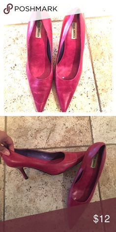 Steve Madden Heels Wine colored Steve Madden heels! Very sexy and the heel isn't too high! The color is kind of fuchsia or wine colored. So pretty! Steve Madden Shoes Heels