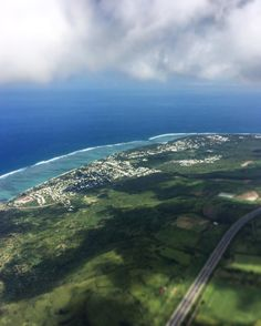 La saline les bains #parapente #paragliding #parapente974 #lareunion #gotoreunion #iledelareunion #voyage #travel #974 by theudbald974 https://hotellook.com/countries/reunion?marker=126022.pinterest
