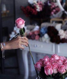 Valentine Day Gifts, Valentines, Best Valentine's Day Gifts, Crown, Flowers, Valentine's Day Diy, Corona, Valentines Day, Valentine's Day