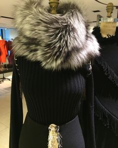 """Lilly e Violetta on Instagram: """"Silver fox collar as styled @barneysnyofficial - latest addition to @lillyevioletta accessory collection. Perfect for #newyork winter weather!! #lillyevioletta #luxury #luxurybrand #luxuryliving #luxuryliving #fashion #luxurytraveler #livingluxuryeveryday"""""""