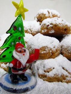 Κάθε χρόνο, όταν πλησιάζουν τα Χριστούγεννα, θέλω να δοκιμάσω πολλές συνταγές. Να πειραματιστώ, να φτιάξω και να ξαναφτιάξω μέχρι να έχω το... Christmas Sweets, Christmas Time, Christmas Recipes, Going Vegan, Favorite Recipes, Holiday Decor, Cooking, Blog, Lent
