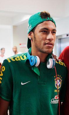Neymar Neymar Barcelona, Good Soccer Players, Football Players, Neymar Jr, Sports Stars, Ex Husbands, Messi, Ronaldo, Celebrities
