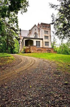 Sweet House Dreams: Hurst-Pierrepont Estate, 1868 Gothic Mansion in Garrison, New York Old Mansions, Mansions For Sale, Abandoned Mansions, Abandoned Buildings, Abandoned Places, Real Estate Buyers, Real Estate Companies, Beautiful Buildings, Beautiful Homes