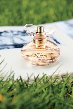 Avon Cherish on uusi ihanille naisille luotu kukkaistuoksu. Kirsikankukka, myski ja santelipuu tuovat tuoksuun hienostuneen säväyksen, joka sopii arkeen tai juhlaan! | New Avon Cherish EdP #naistenpäivä #womensday #iwd