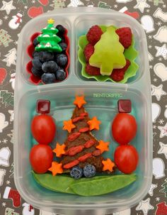 Christmas tree bento school lunch - packed with /easylunchboxes/