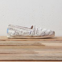 Calling all musicians, singers and entertainers! TOMS Musical Note Classics are back and more popular than ever.