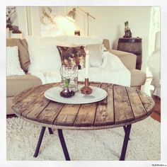 Love The table Interior Styling, Interior Design, Scandinavian Interior, Living Room Modern, Wood Design, Cozy House, Furniture Making, Dining Table, House Styles
