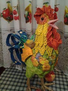 Плетение из газет Willow Weaving, Basket Weaving, Corn Dolly, Paper Weaving, Arts And Crafts, Diy Crafts, Newspaper Crafts, Galo, Art N Craft