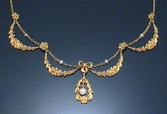 Necklace in the Garland Style, the textured gold embellished with pearls, length approximately French assay marks, early Century Jewelry Design Earrings, Gold Earrings Designs, Gold Jewellery Design, Necklace Designs, Diy Jewellery, Art Nouveau, Art Deco, Laurel, Indian Jewelry Sets