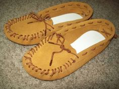 How to make moccasins part 1 - YouTube