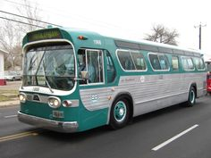 """Some day, I want own a vintage teal tour bus like this and travel the country with """"the girls"""" seeing our favorite bands. Volkswagen Bus, Volkswagen Beetles, Vw Camper, Train Truck, Bus Terminal, Run Today, Bus Coach, Bus Station, Public Service"""
