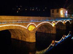 Boa noite :D A iluminação de Natal na Ponte Velha de Arcos de #Valdevez - http://ift.tt/1MZR1pw -